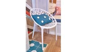 """Пластиковые стулья Coral в программе """"Фазенда"""" на 1 канале."""